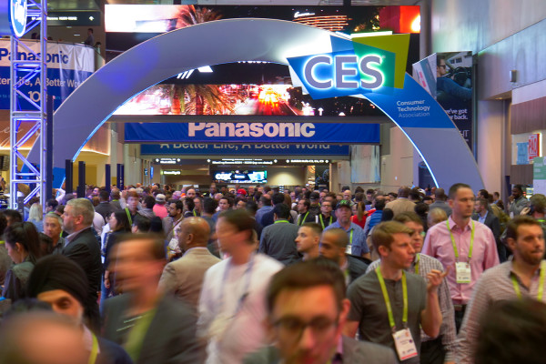 CES2018: Superb Eyetracking, Volumetric and Lightfield Videos, Tons of Creative Stuff and Business Applications